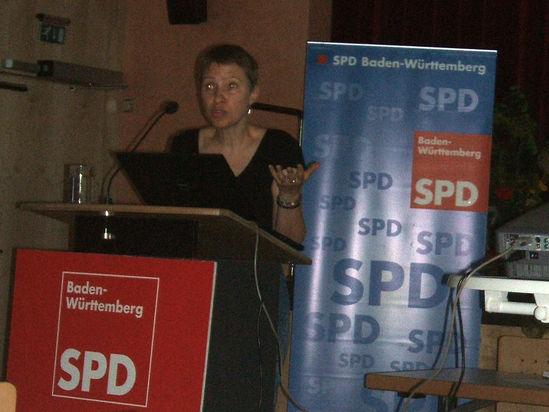 Die Expertin Nina Kölsch-Bunzen von der Hochschule Esslingen.